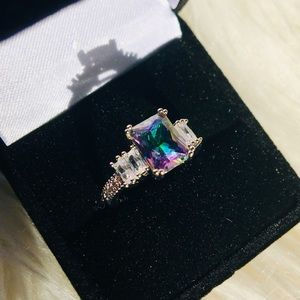 Gorgeous IRRIDESCENT Emerald Shaped Ring Sz 6 925
